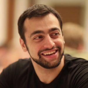 Виктор Кирилов: Език се учи с реален проблем за решаване