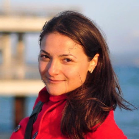Венера Върбанова: Мотивира ме смисълът в това, над което работя