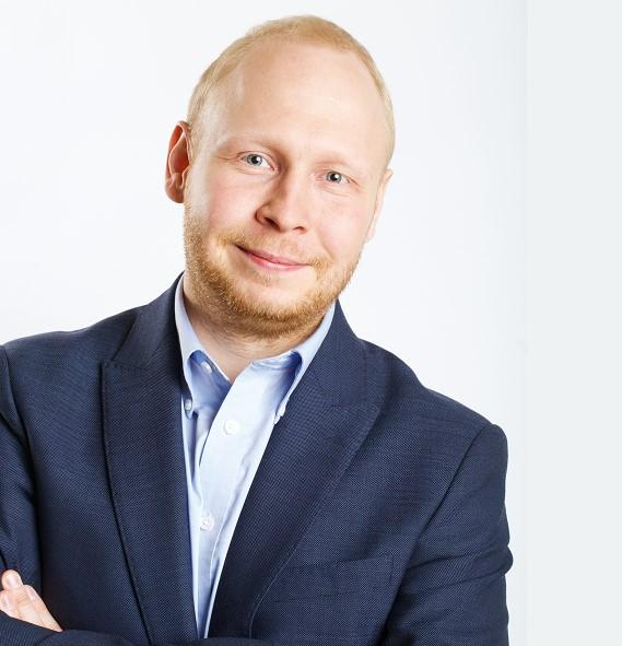 Макс Жданов: Бъдете винаги подготвени и търсете промените, не се страхувайте да правите експерименти!
