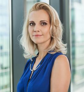 """Божана Маринова, главен директор """"Човешки ресурси"""" в Софтуер Груп: Бъдещето съдържа много възможности, но те ще се превърнат в истории на успеха само ако продължаваме да разчитаме на силен и мотивиран екип."""